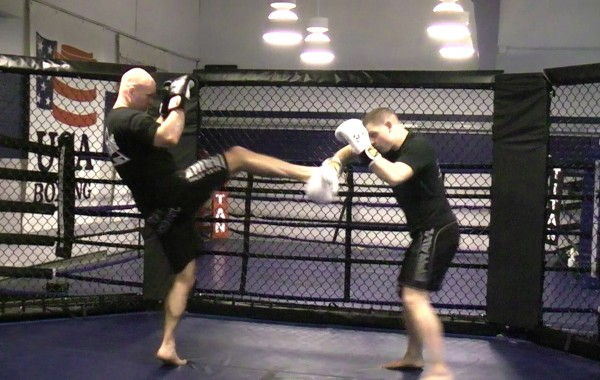 Muay Thai Kickboxing Heavy Bag Drill: Teep/Front Kick (1's,2's,3's)