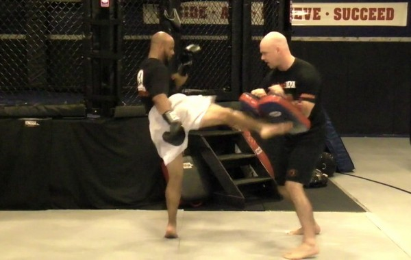 Muay Thai: 5-2-1 Punch & Kick Drill