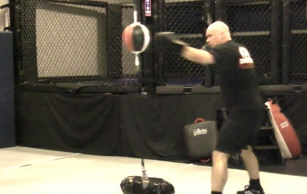 Boxing – Double End Bag Drill: two to five